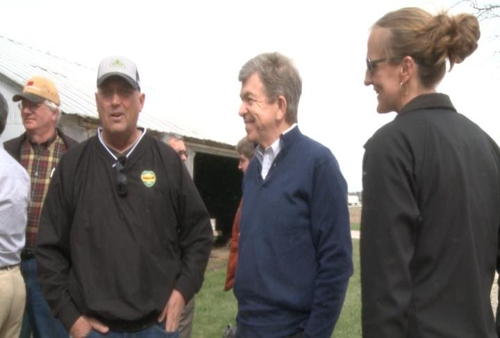 Senator Roy Blunt talks with residents in Palmyra.