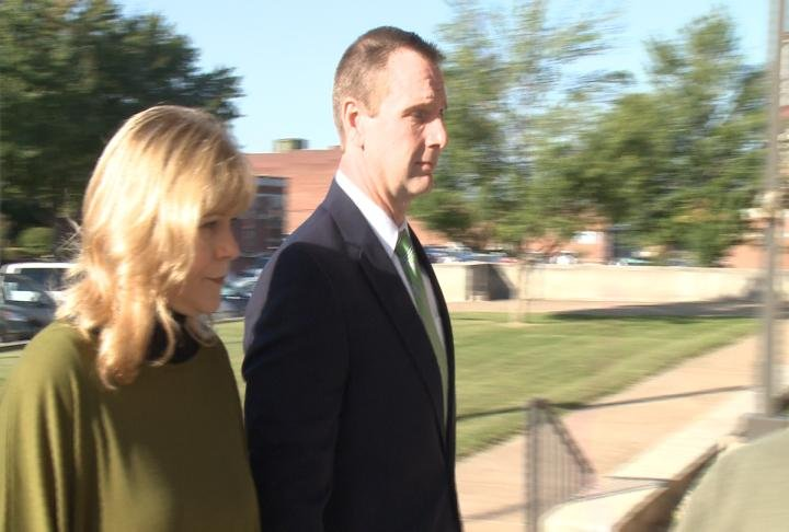 Curtis Lovelace walks into the Adams County Courthouse Friday morning.