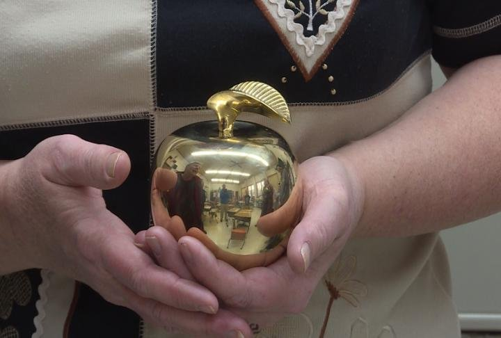 Shelly Langeland was presented with the Golden Apple on Wednesday.