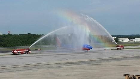 Salute for veterans on a previous Honor Flight.