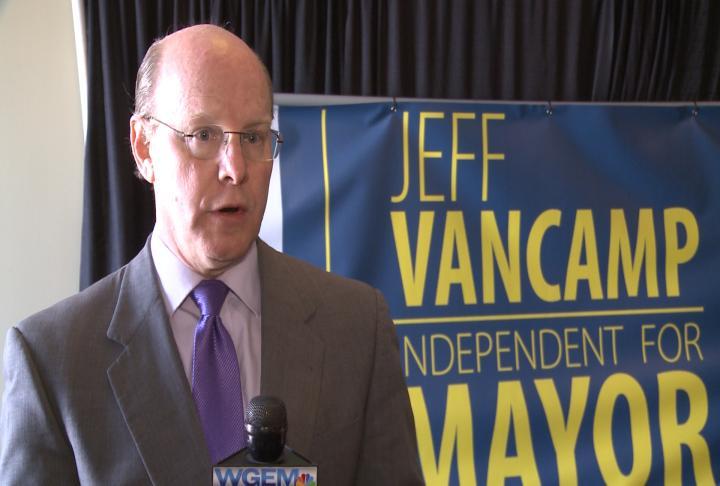 Independent mayor candidate Jeff VanCamp speaks about crime statistics.