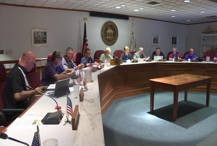 Quincy City Council prepares for Monday meeting.