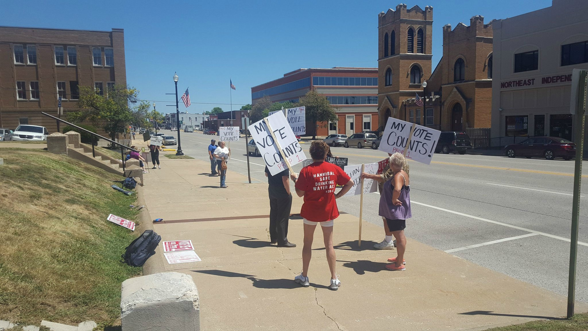 Protesters outside of the Hannibal courthouse Tuesday afternoon.