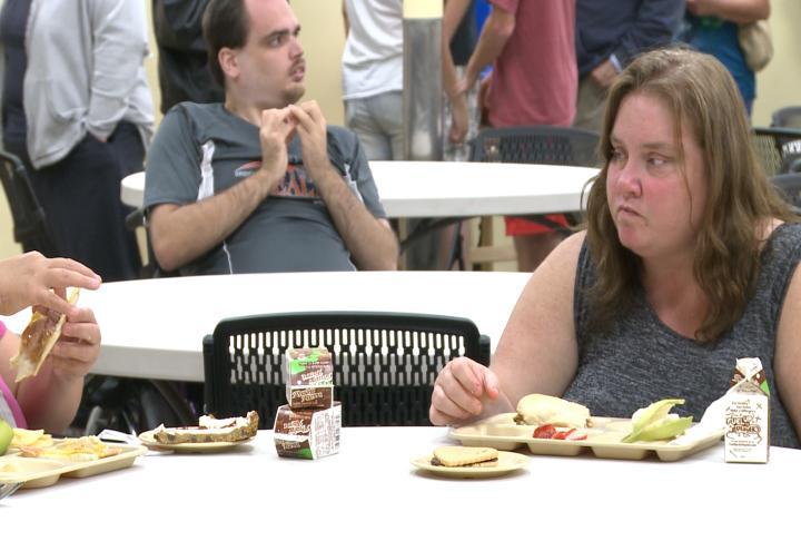 People eating at Horizons