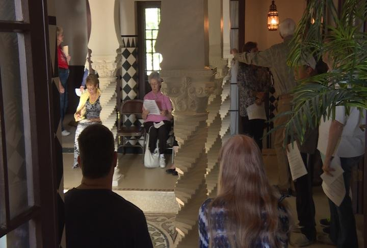 Residents fill the rooms of the Villa Kathrine.