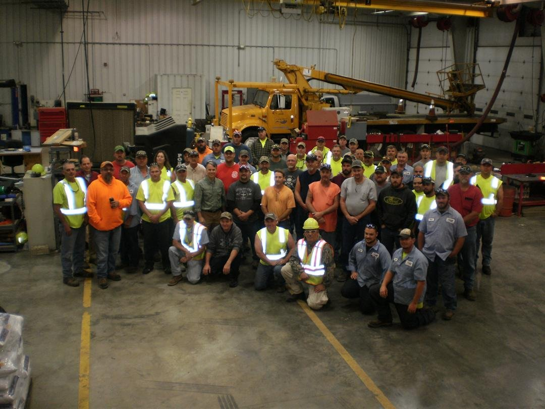 Crews ready to assist in Florida. (Submitted by MoDOT)