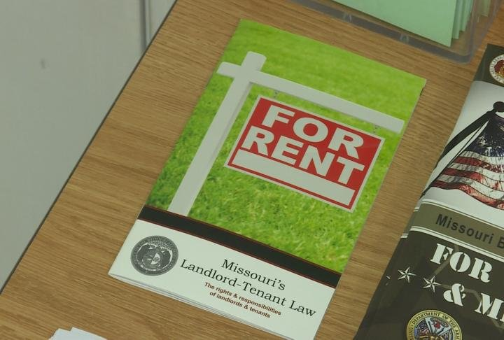 Pamphlet for Missouri's Landlord-Tenant law shows a for rent sign.