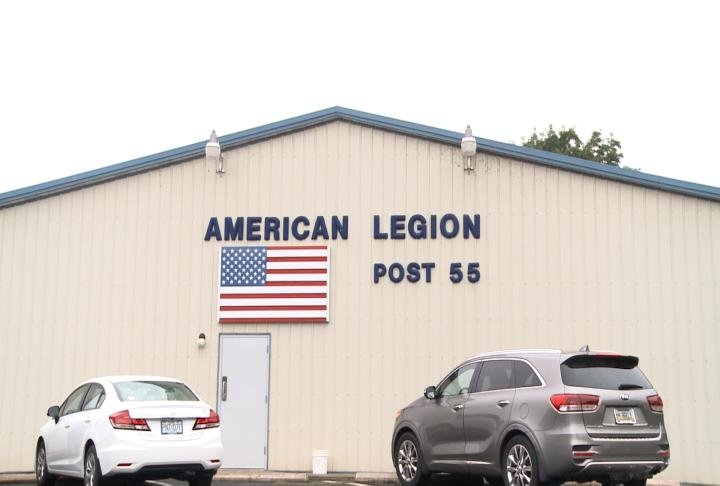 The American Legion Post 55 in Hannibal used to have a lot of NFL games.