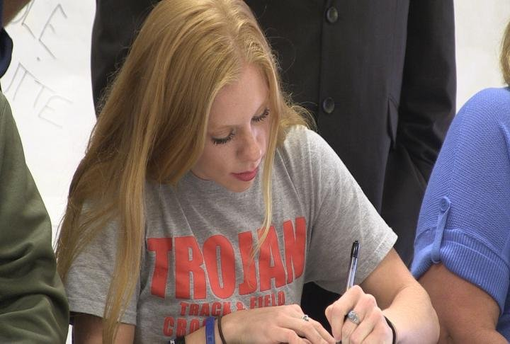 Highland's MaKayla Dickerson is taking her track and field and cross country skills to HLGU.