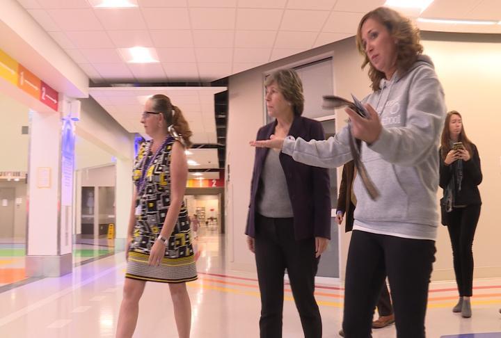 Weingarten touring the new Lincoln-Douglas Elementary School
