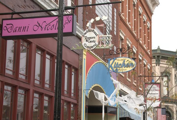 Main street shops in Hannibal