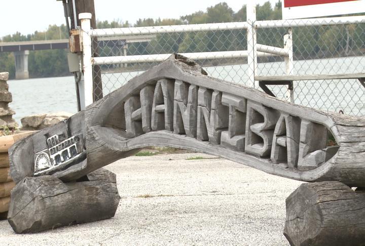 Hannibal's riverboat dock