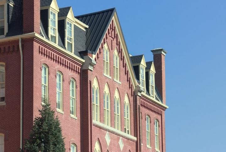 Over half of the students at Quincy University use student loans.