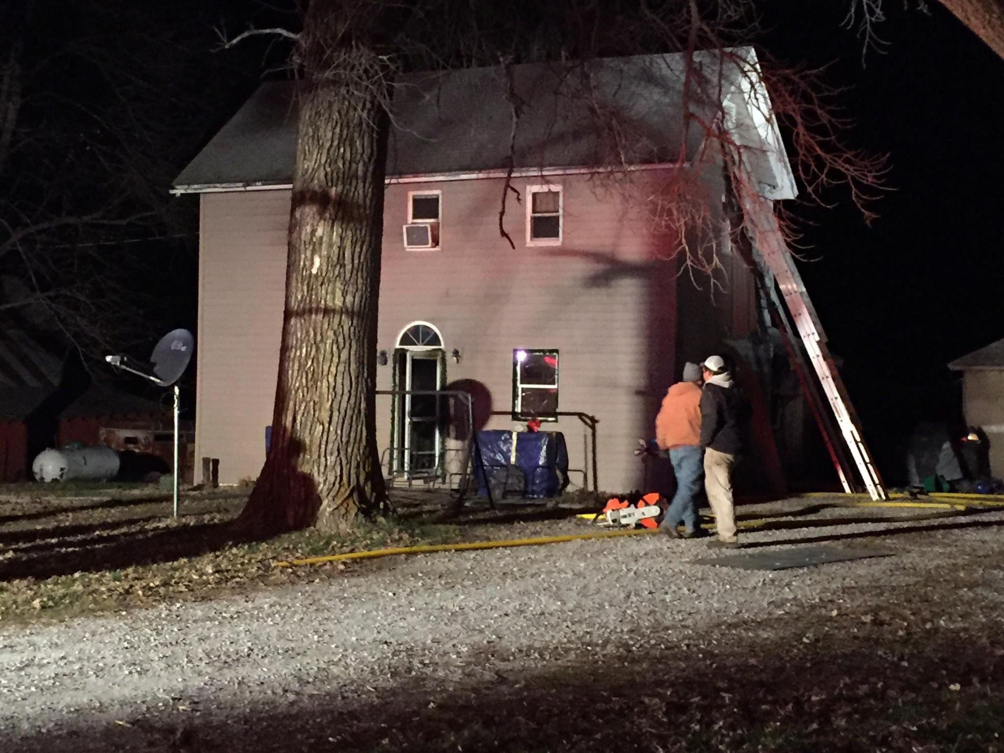Fire damages home in Sutter, Illinois