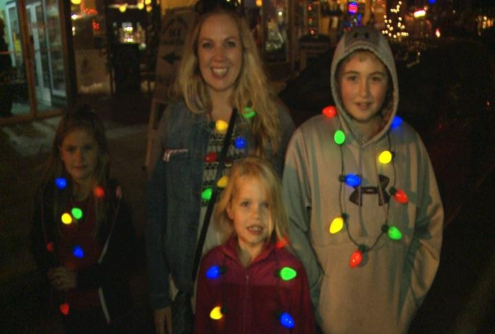 Families getting into the Christmas Spirit in Hannibal.