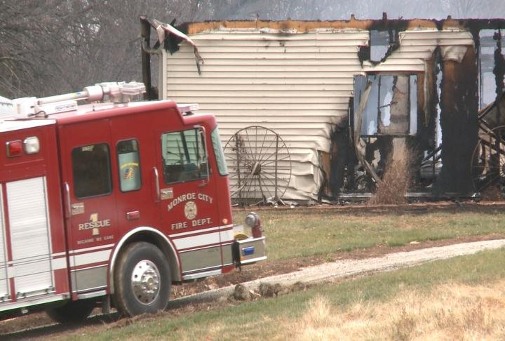 Monroe City fire crews investigating house fire on County Road 377
