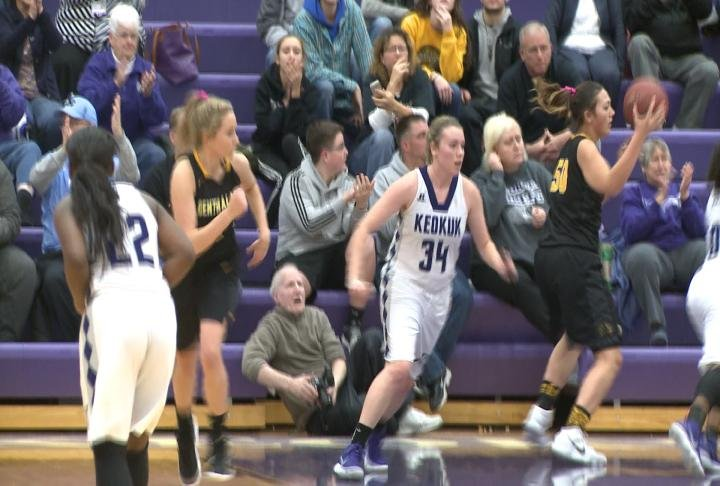 Keokuk handed Central Lee its first loss with a 42-32 win at Wright Fieldhouse.