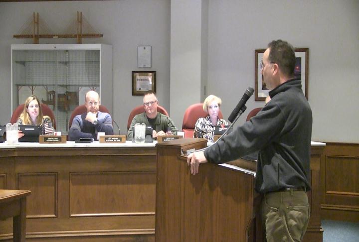 Quincy Utilities Director Jeffrey Conte addresses city council.
