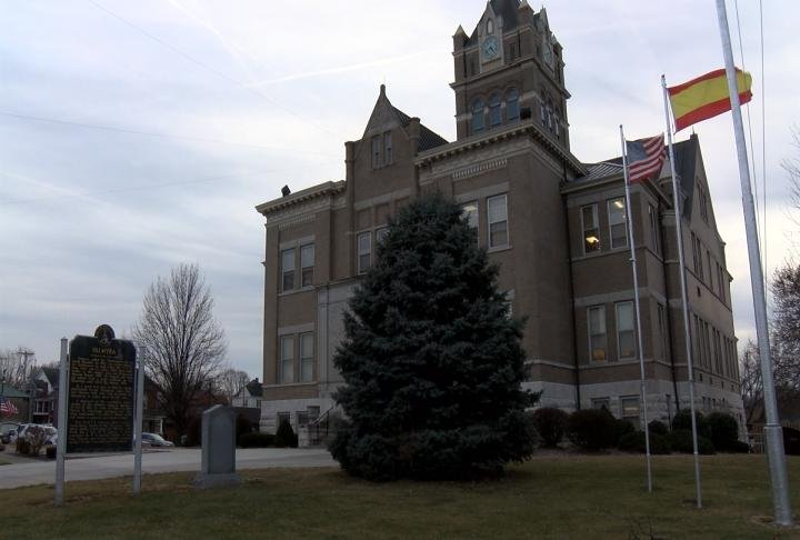 The Marion County Courthouse has a clock that has four faces.