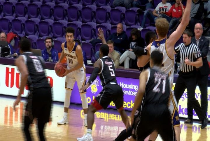Western Illinois remains winless in the Summit League following its loss to visiting Omaha.