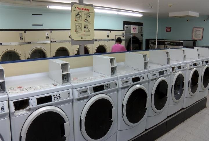 Inside the laundromat near 4th and Cedar in Quincy.