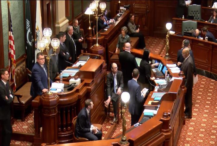 Showdown on gun-purchasing restrictions nears in Illinois House