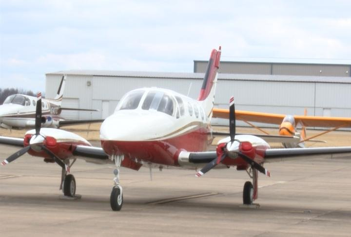 An airplane at Hannibal Regional Airport