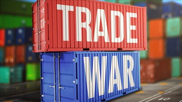 World markets tumble on growing trade war fears