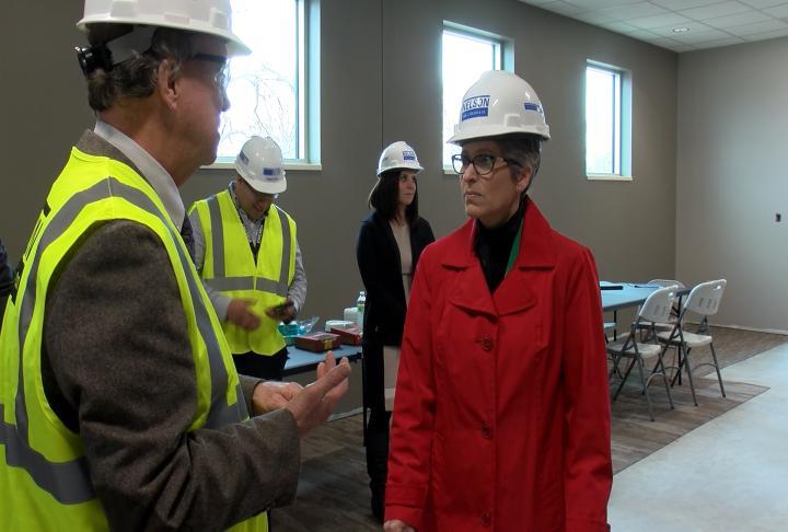 Iowa Senator Joni Ernst touring a new dental clinic in Keokuk.