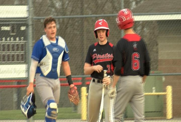 Hannibal rallies for three runs in the 6th inning to defeat Boonville.