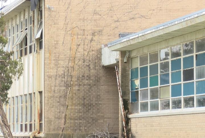 The elementary school in La Grange is rundown and the city is working to remove it.
