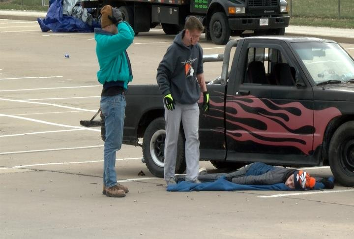 Students reenact a drunk driving crash.