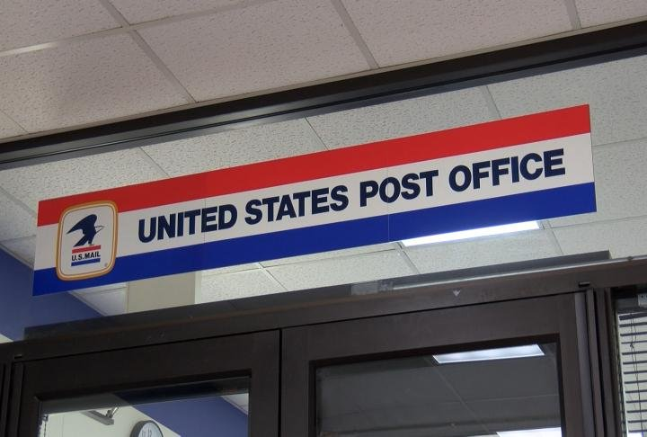 Main post office extends hours for Tax Day