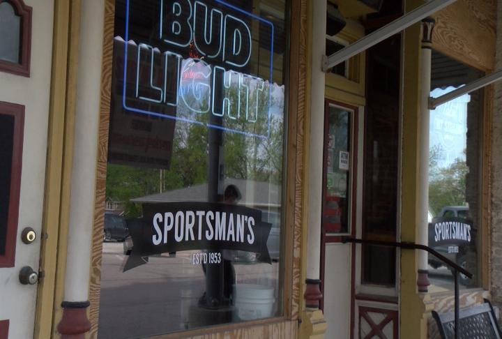 Wachter owns Sportsman's Tavern.