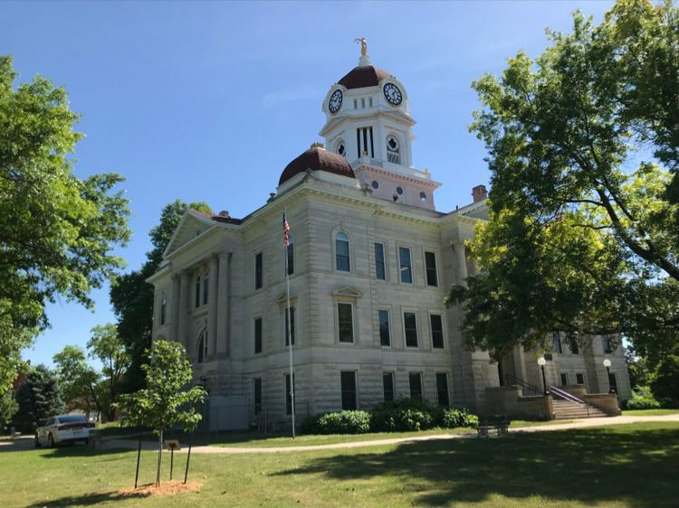 Hancock County Courthouse in Carthage, Illinois