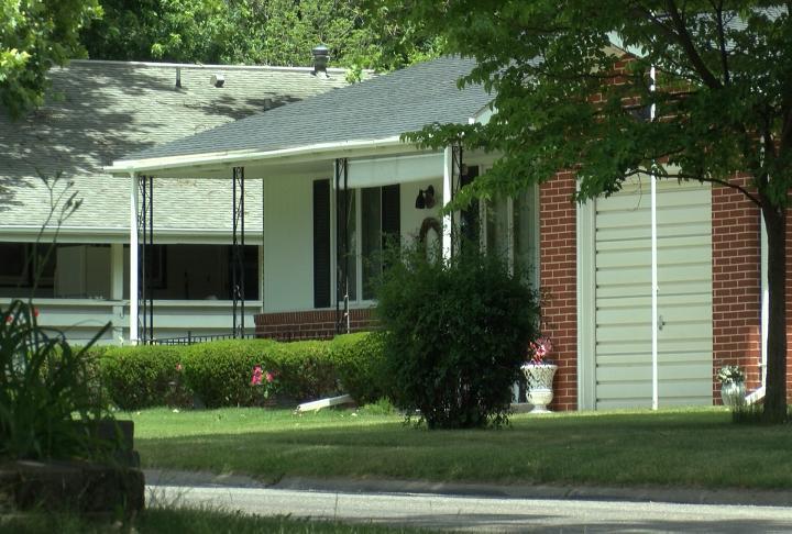 10 home have reported burglaries last week.