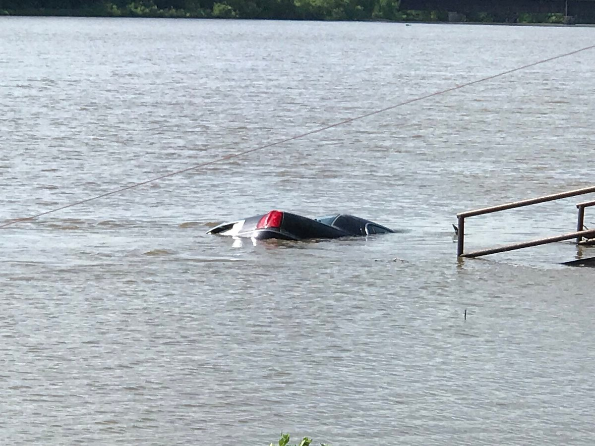 Car in the Mississsippi River
