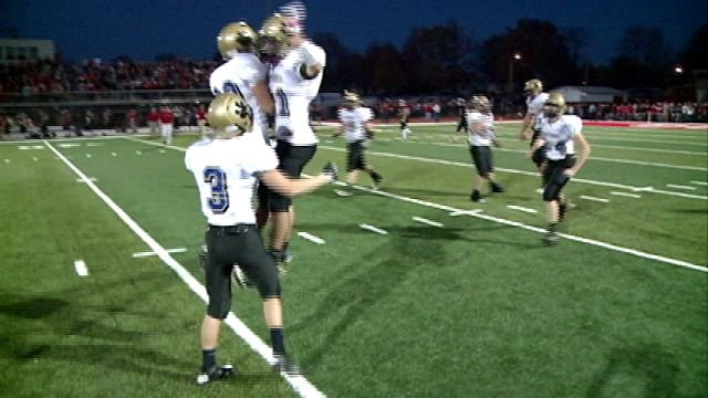 C-SE celebrates following a 35-28 win over DuQuoin in the IHSA Class A quarterfinals.