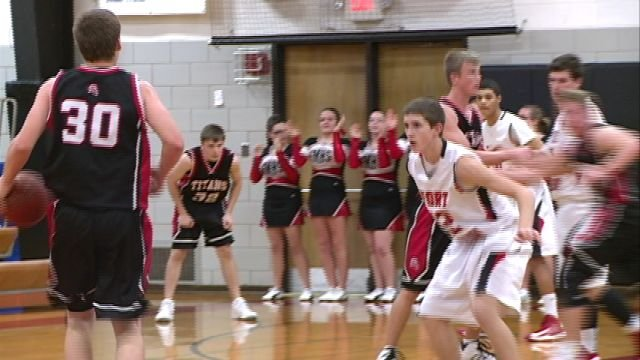 Paxton Harmon returned to the West Hancock lineup and scored 20 first half point to lead the Titans past Fort Madison.