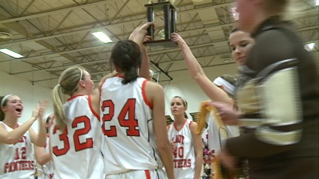 The Palmyra Lady Panthers topped Macon to win the Highland Tournament on Saturday.
