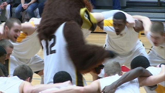 The QU basketball team hosts No. 6 Kentucky Wesleyan on Thursday and then turns around to entertain No. 10 Southern Indiana Saturday.