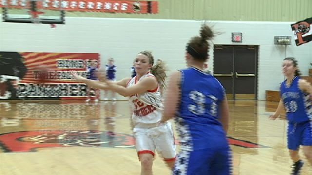 Alexis Van Nostrand and the Palmyra girls basketball team clinched the CCC title with a 60-24 victory over visiting Mark Twain.