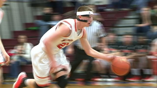 Blake Lowderman paced Macomb with 19 points as the Bombers edged Biggsville WC 60-57 in Tuesday's regional quarterfinals in Monmouth.