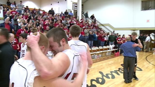 Canton gained revenge on last year's postseason loss to Cairo winning 81-70 in Tuesday's sectional in Ewing.