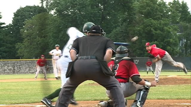 The Quincy Gems increased their lead in the West Division with a sweep over Danville on Sunday.