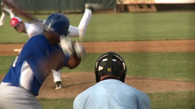 The Quincy Gems split a West Division DH with the Terre Haute Rex on Wednesday night at QU Stadium.