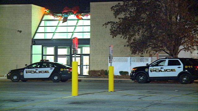 Police investigate robbery at Zales