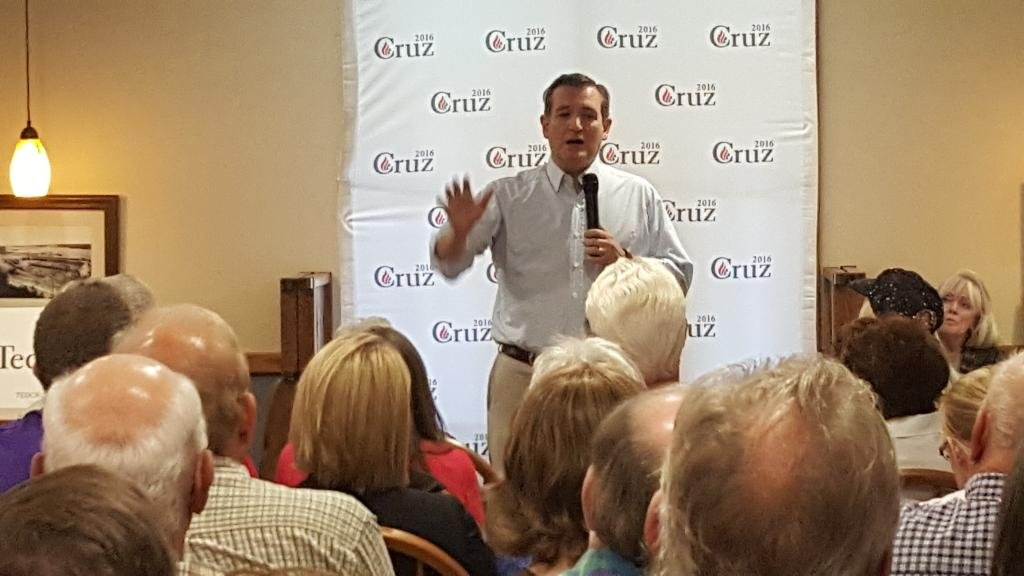 Presidential hopeful Senator Ted Cruz takes a question on social media use Tuesday in Lee County.