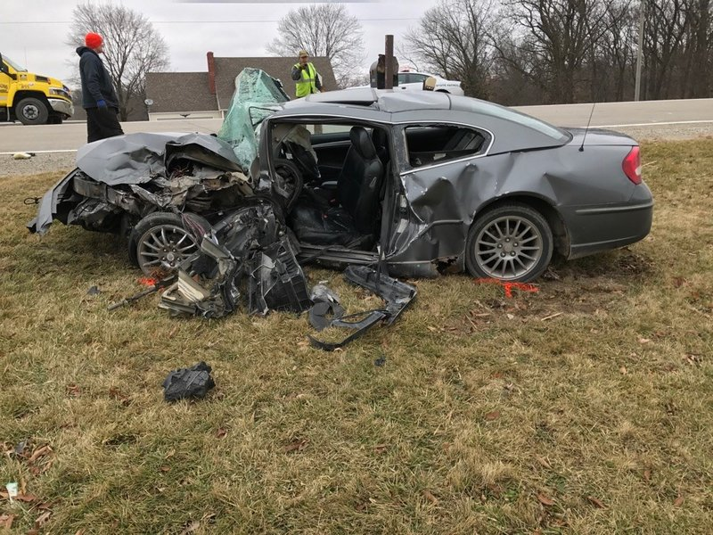 Four people injured in lee county crash kwwl eastern for Finnicum motors lee county