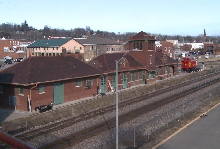 Fort Madison Looking To Move Amtrak Location Downtown Kwwl Eastern Iowa Breaking News
